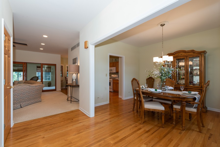 Real Estate Photography - 1344 Winslow Circle, Woodstock, IL, 60098 - Foyer