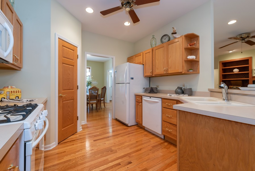 Real Estate Photography - 1344 Winslow Circle, Woodstock, IL, 60098 - Kitchen