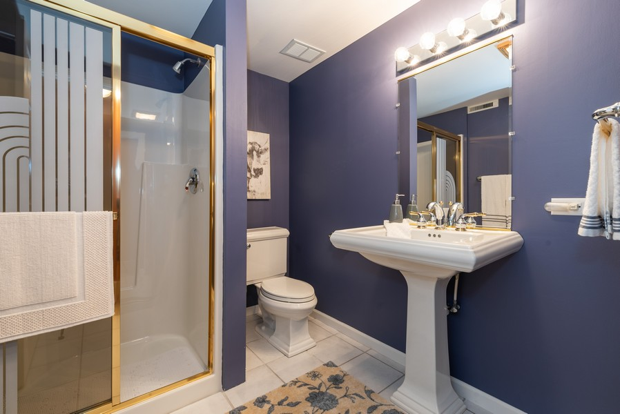 Real Estate Photography - 1344 Winslow Circle, Woodstock, IL, 60098 - 2nd Bathroom