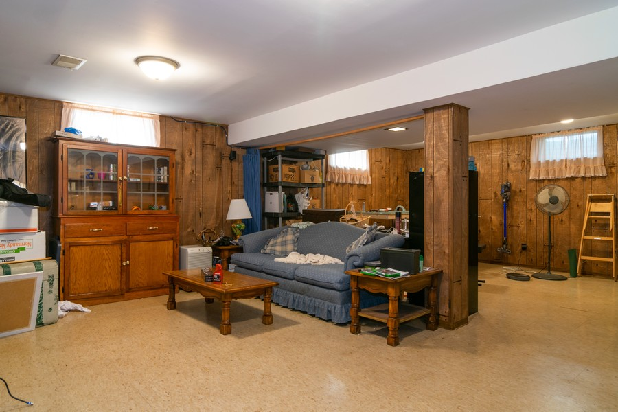 Real Estate Photography - 1610 Sheffield Dr, Elgin, IL, 60123 - Basement