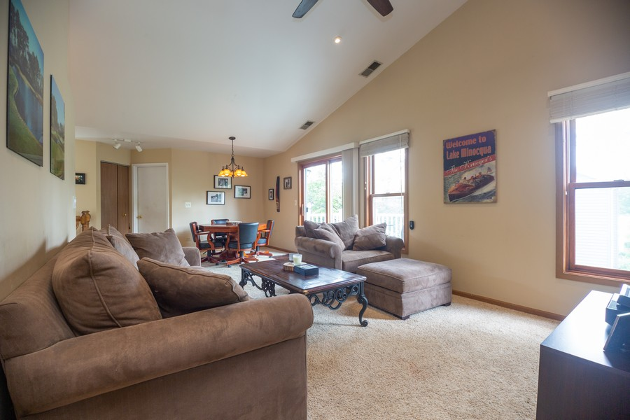 Real Estate Photography - 1958 N Stillwater Rd Unit 1958, Arlington Heights, IL, 60004 - Living Room