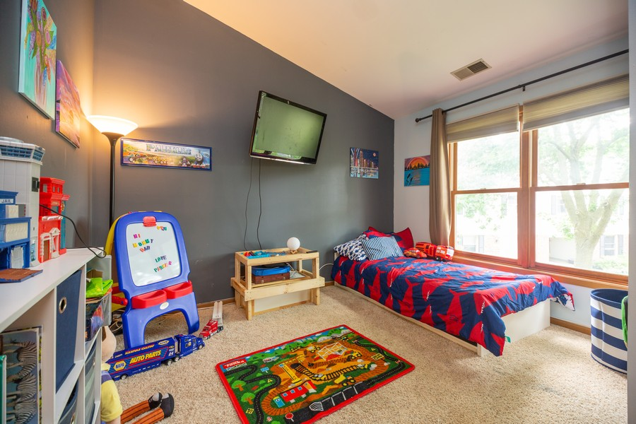 Real Estate Photography - 1958 N Stillwater Rd Unit 1958, Arlington Heights, IL, 60004 - Bedroom
