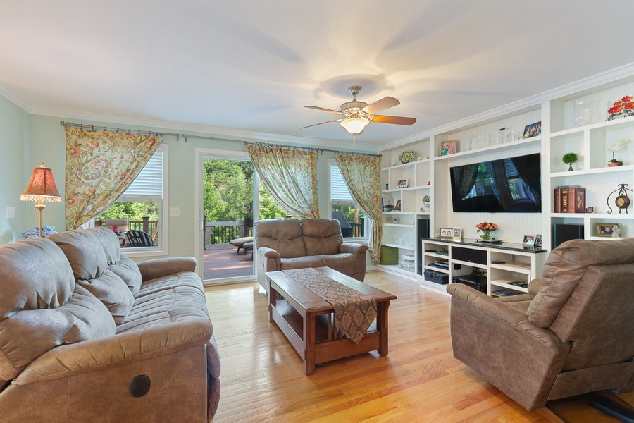 Real Estate Photography - 260 Beach Dr, Algonquin, IL, 60102 - Family Room