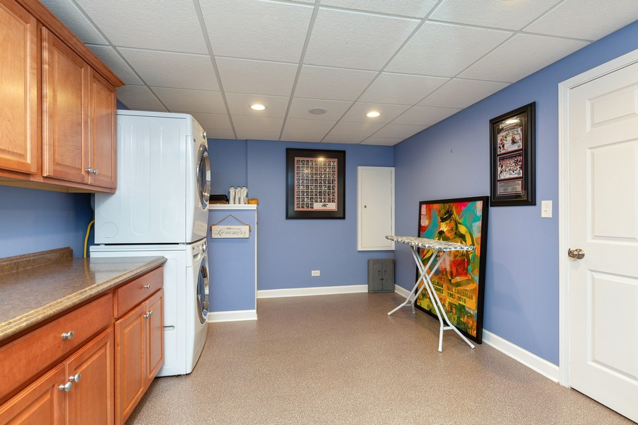 Real Estate Photography - 260 Beach Dr, Algonquin, IL, 60102 - Laundry Room