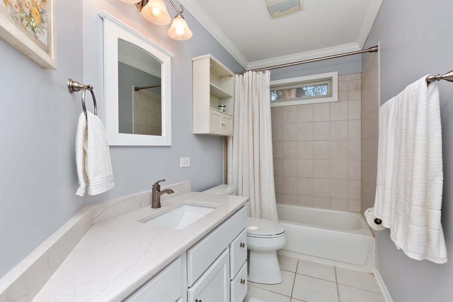 Real Estate Photography - 260 Beach Dr, Algonquin, IL, 60102 - Bathroom
