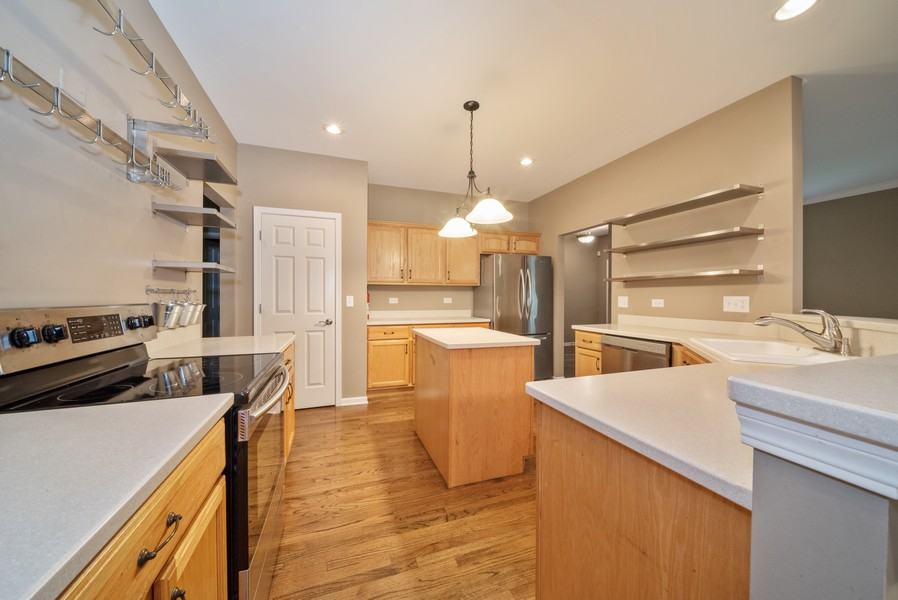 Real Estate Photography - 1321 Boulder Court, Woodstock, IL, 60098 - Kitchen