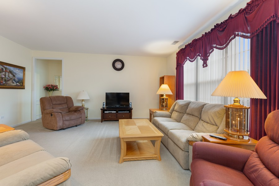 Real Estate Photography - 13013 Dearborn Trail, Huntley, IL, 60142 - Living Room