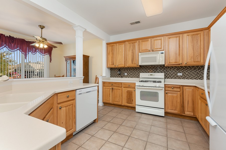 Real Estate Photography - 13013 Dearborn Trail, Huntley, IL, 60142 - Kitchen