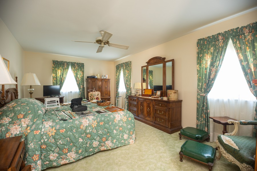 Real Estate Photography - 1020 E. Viator Court, Arlington Heights, IL, 60004 - Master Bedroom