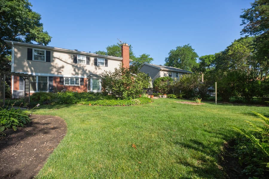 Real Estate Photography - 1020 E. Viator Court, Arlington Heights, IL, 60004 - Back Yard