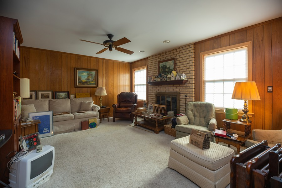 Real Estate Photography - 1020 E. Viator Court, Arlington Heights, IL, 60004 - Family Room