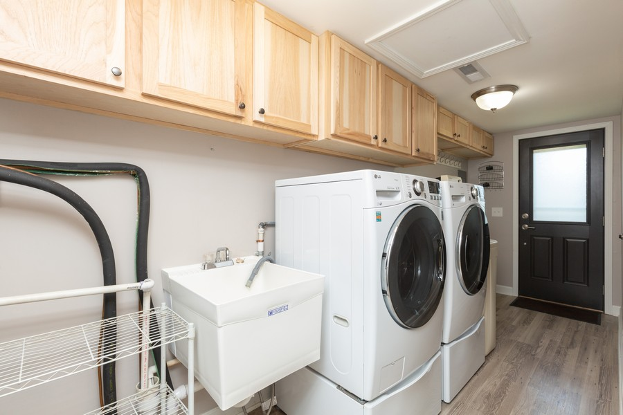 Real Estate Photography - 1078 Manchester Ct, South Elgin, IL, 60177 - Laundry Room