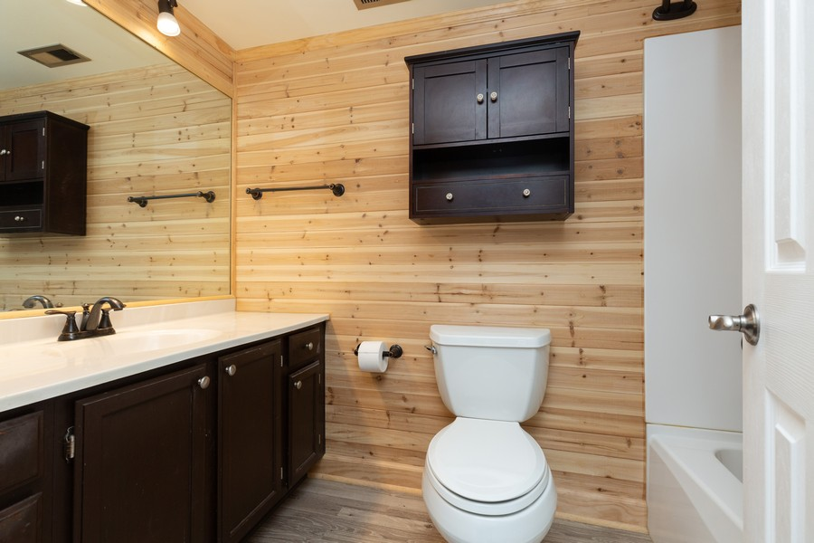 Real Estate Photography - 1078 Manchester Ct, South Elgin, IL, 60177 - Bathroom
