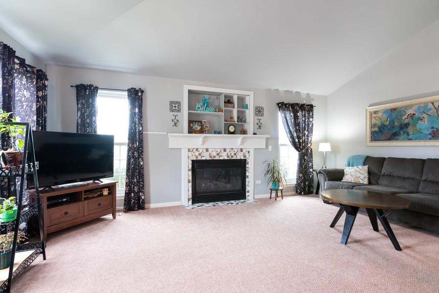 Real Estate Photography - 9518 Lenox Ln, Lakewood, IL, 60014 - Living Room