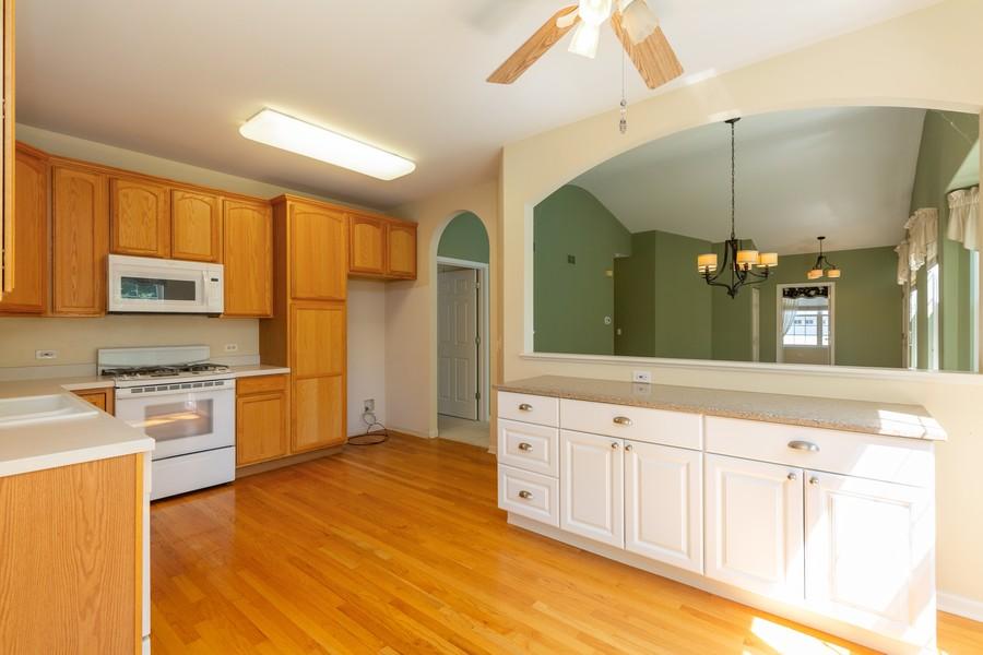 Real Estate Photography - 2943 Talaga Drive, Algonquin, IL, 60102 - Kitchen