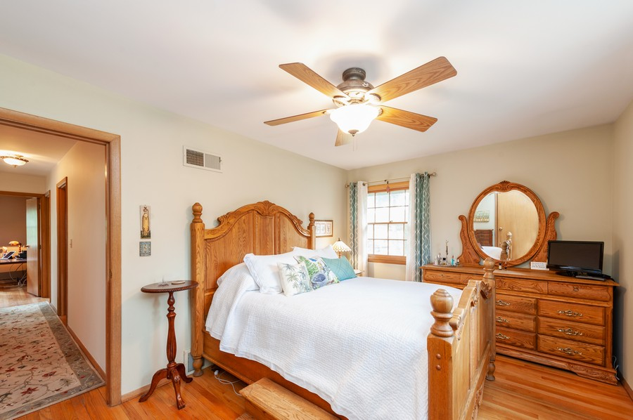 Real Estate Photography - 532 BERRIEDALE DR, CARY, IL, 60013 - Master Bedroom