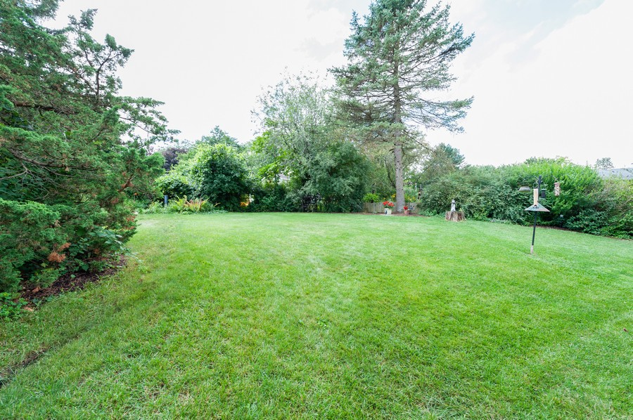 Real Estate Photography - 532 BERRIEDALE DR, CARY, IL, 60013 - Back Yard