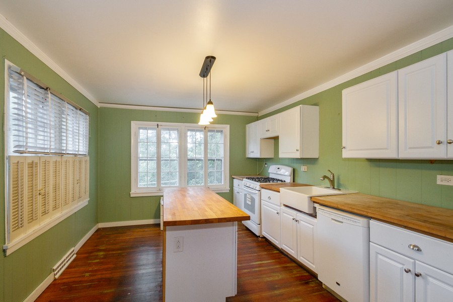 Real Estate Photography - 7725 Beaver Rd, Wonder Lake, IL, 60097 - Kitchen