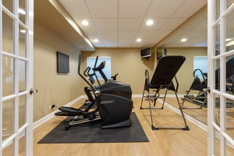 Real Estate Photography - 5610 Highland, Palatine, IL, 60067 - Exercise Room