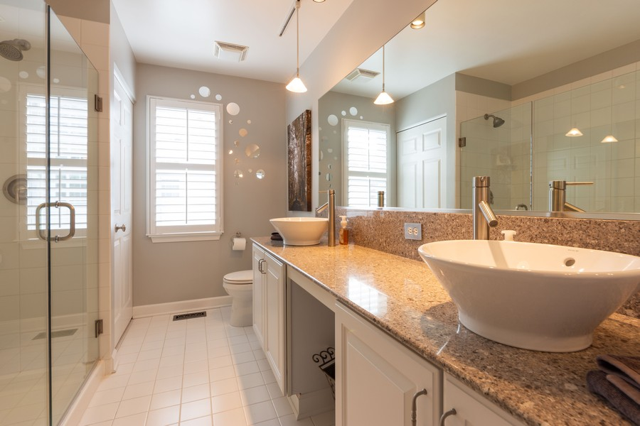 Real Estate Photography - 5610 Highland, Palatine, IL, 60067 - 2nd Bathroom