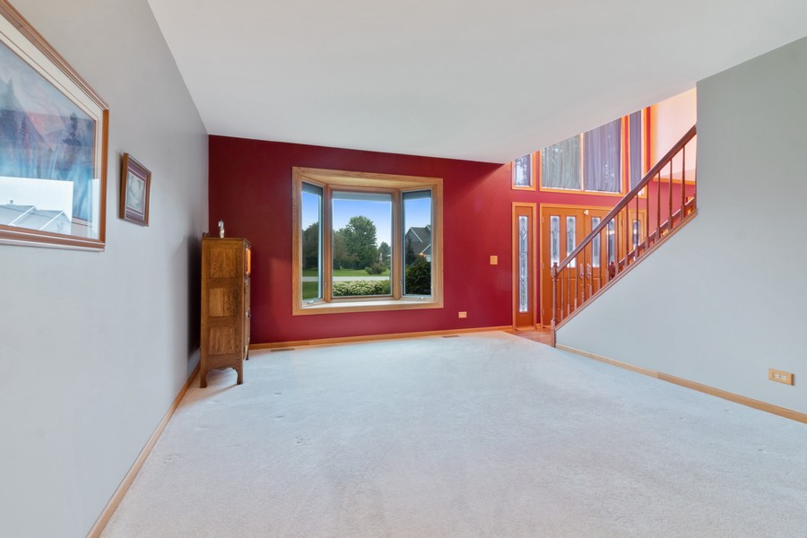 Real Estate Photography - 703 Silver Glen, McHenry, IL, 60050 - Living Room