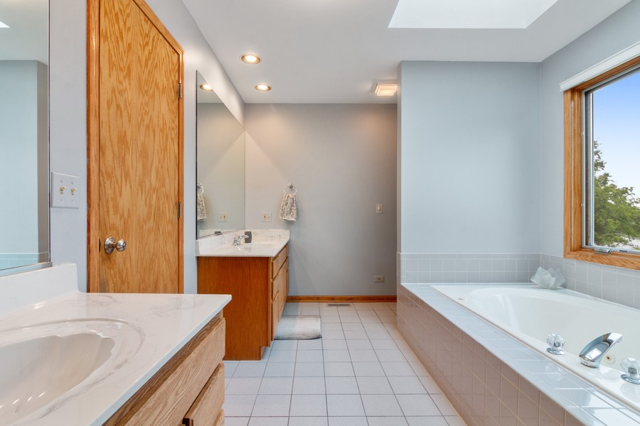 Real Estate Photography - 703 Silver Glen, McHenry, IL, 60050 - Master Bathroom