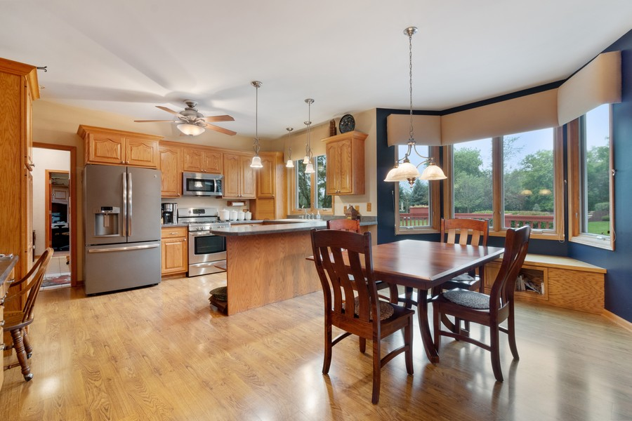 Real Estate Photography - 703 Silver Glen, McHenry, IL, 60050 - Breakfast Nook