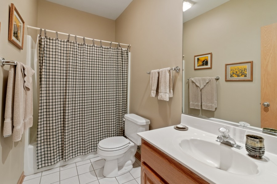 Real Estate Photography - 703 Silver Glen, McHenry, IL, 60050 - 2nd Bathroom