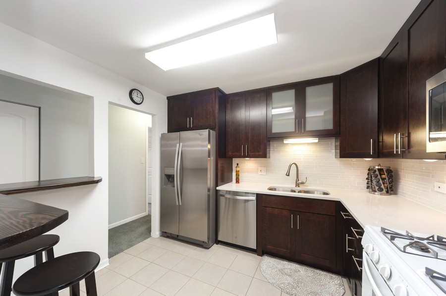 Real Estate Photography - 3300 Carriageway Dr, 309, Arlington Heights, IL, 60004 - Kitchen