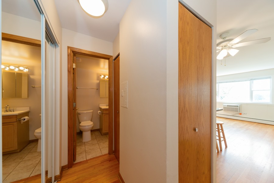 Real Estate Photography - 4600 Cumberland, Unit 409, Chicago, IL, 60656 - Foyer