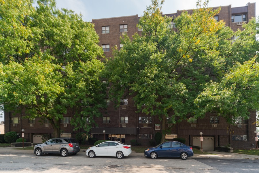 Real Estate Photography - 4600 Cumberland, Unit 409, Chicago, IL, 60656 - Front View