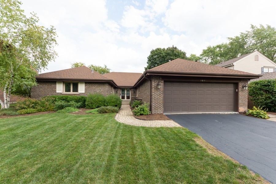 Real Estate Photography - 1611 N Douglas Ave, Arlington Heights, IL, 60004 - Front View