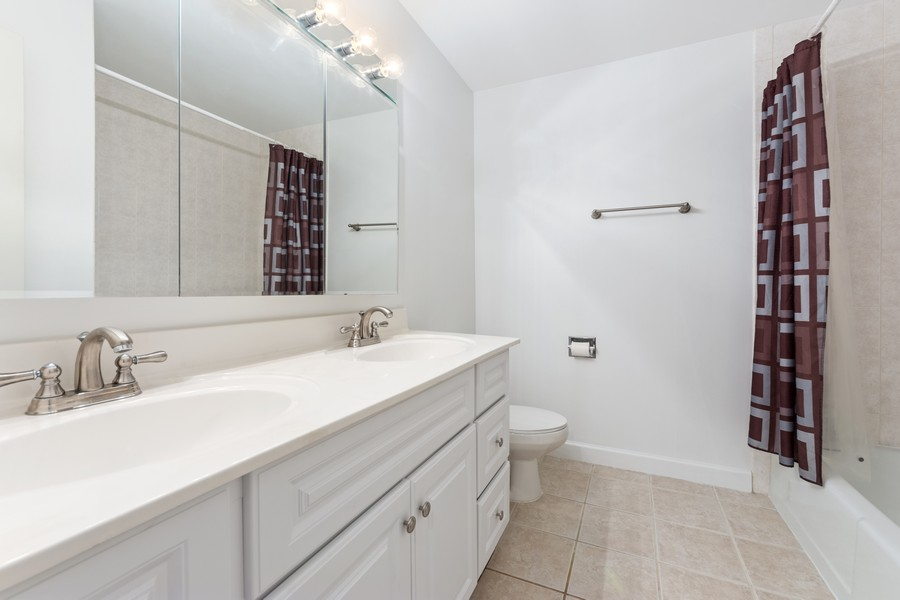 Real Estate Photography - 2403 N. Kennicott Drive #1C, Arlington Heights, IL, 60004 - Bathroom
