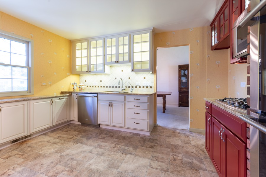 Real Estate Photography - 2035 E Mulberry Ln, Arlington Heights, IL, 60004 - Kitchen
