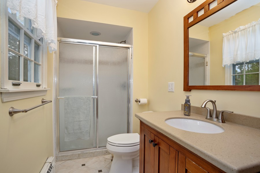 Real Estate Photography - 525 S Yale Ave, Arlington Heights, IL, 60005 - Master Bathroom