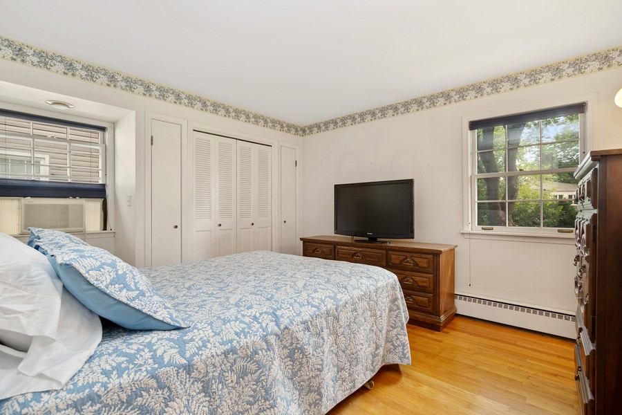 Real Estate Photography - 525 S Yale Ave, Arlington Heights, IL, 60005 - Master Bedroom