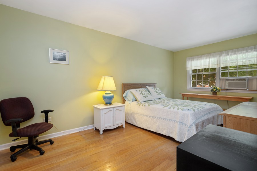 Real Estate Photography - 525 S Yale Ave, Arlington Heights, IL, 60005 - 3rd Bedroom