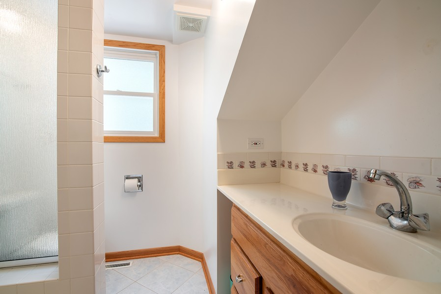 Real Estate Photography - 26582 W Stonegate, Antioch, IL, 60002 - 2nd Bathroom