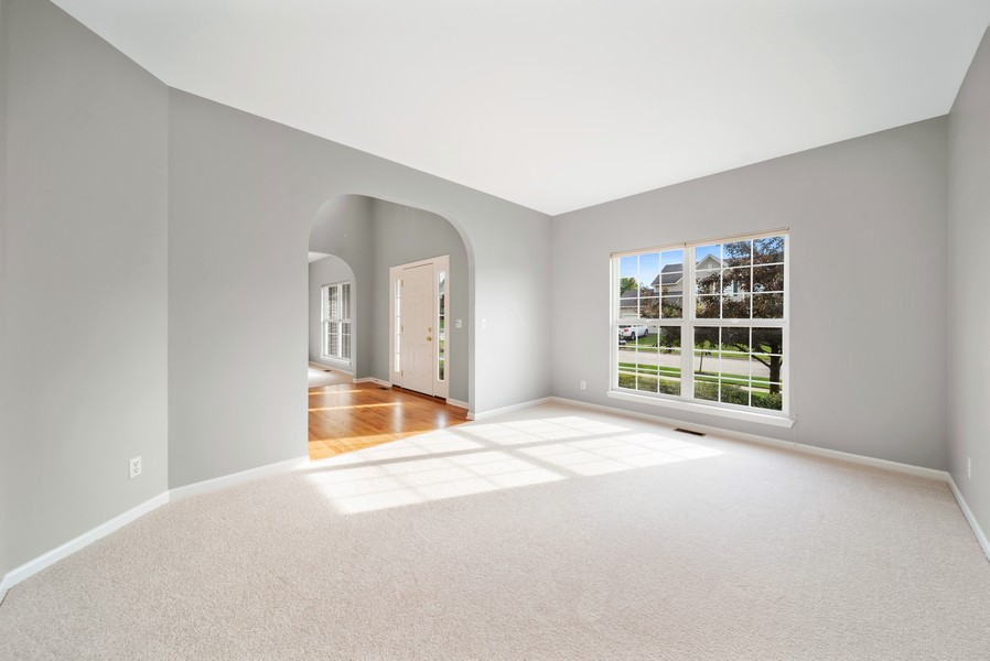 Real Estate Photography - 1361 Boxwood Drive, Crystal Lake, IL, 60014 - Living Room