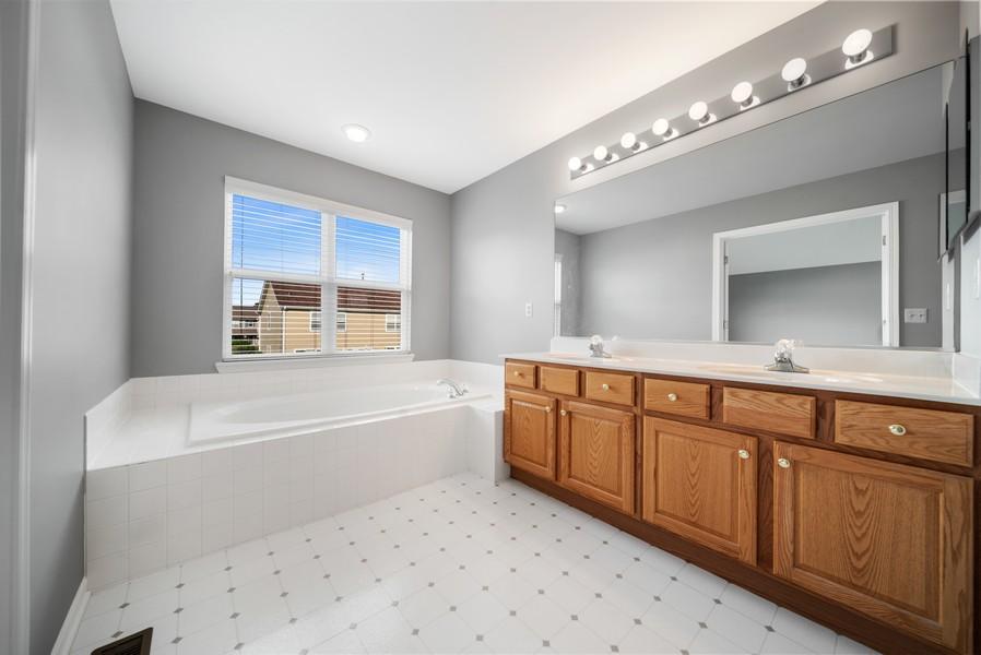 Real Estate Photography - 1361 Boxwood Drive, Crystal Lake, IL, 60014 - Master Bathroom