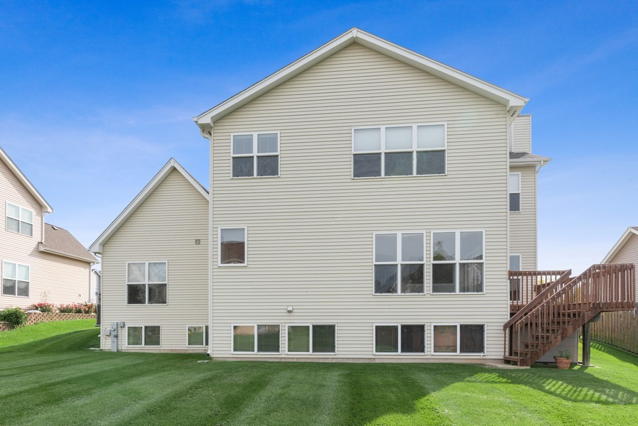 Real Estate Photography - 1361 Boxwood Drive, Crystal Lake, IL, 60014 - Rear View