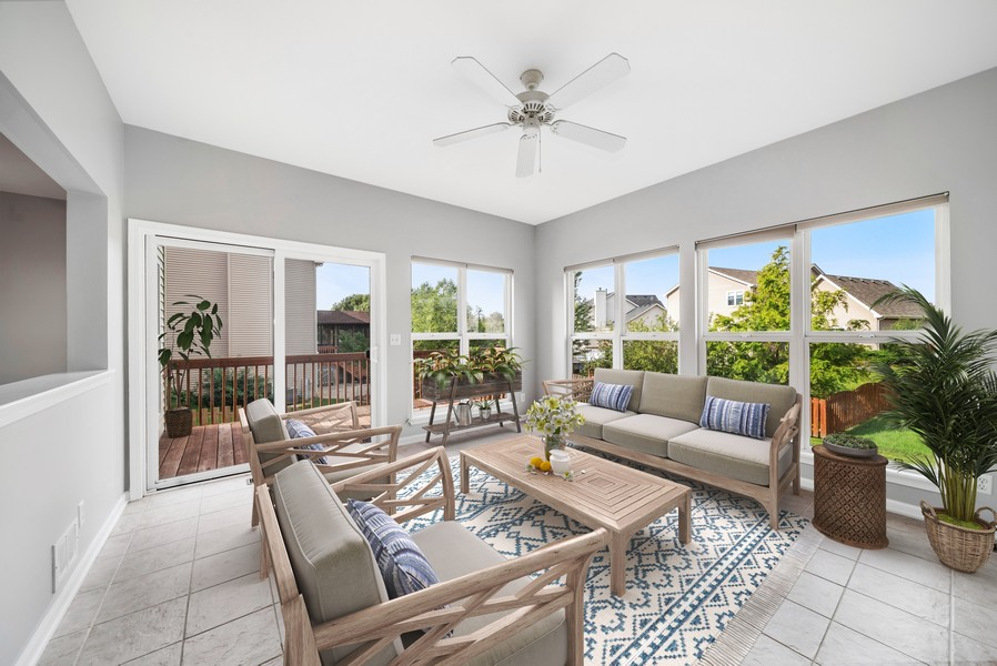 Real Estate Photography - 1361 Boxwood Drive, Crystal Lake, IL, 60014 - Sun Room