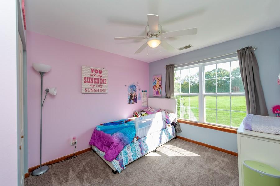 Real Estate Photography - 106 Terra Vista Ct, Volo, IL, 60020 - 3rd Bedroom