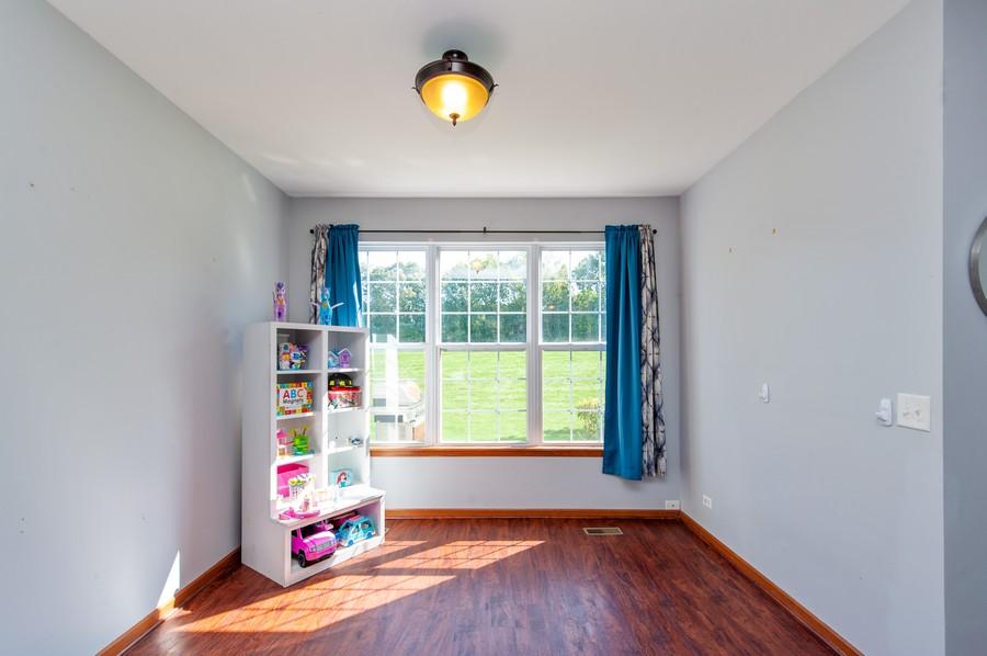 Real Estate Photography - 106 Terra Vista Ct, Volo, IL, 60020 - Dining Room