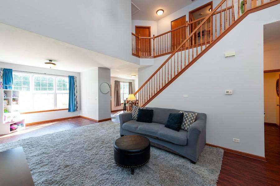 Real Estate Photography - 106 Terra Vista Ct, Volo, IL, 60020 - Family Room