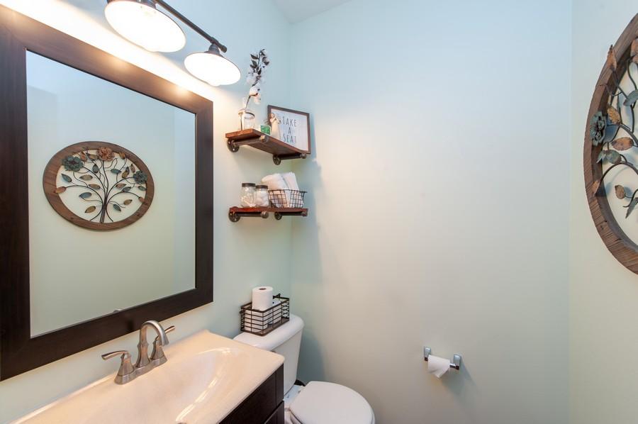Real Estate Photography - 106 Terra Vista Ct, Volo, IL, 60020 - Half Bath