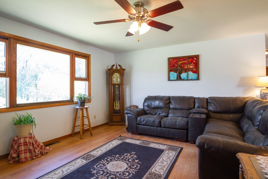 Real Estate Photography - 6191 Shattuck, Belvidere, IL, 61008 - Living Room