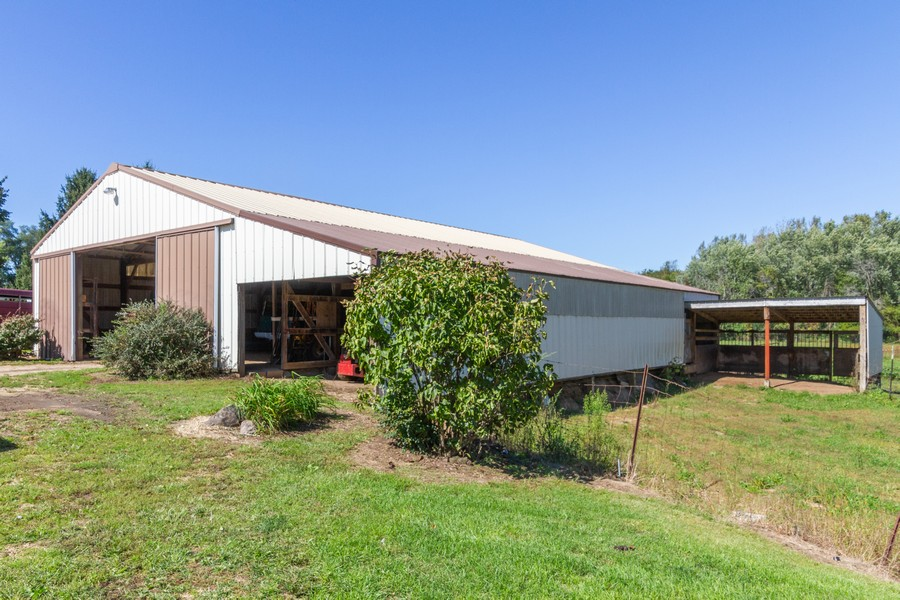 Real Estate Photography - 6191 Shattuck, Belvidere, IL, 61008 - Pole Barn and Lean too & Run in