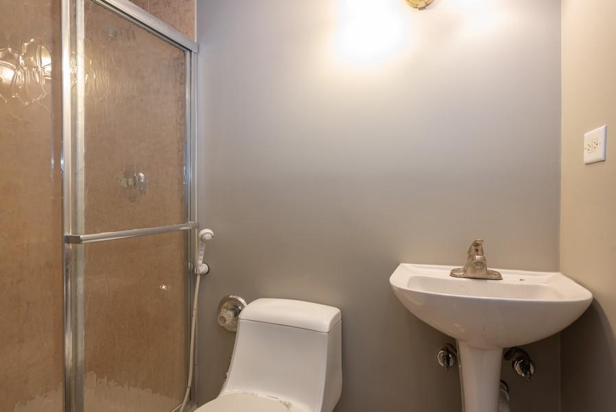 Real Estate Photography - 450 Brookside Avenue, Algonquin, IL, 60102 - 3rd Bathroom