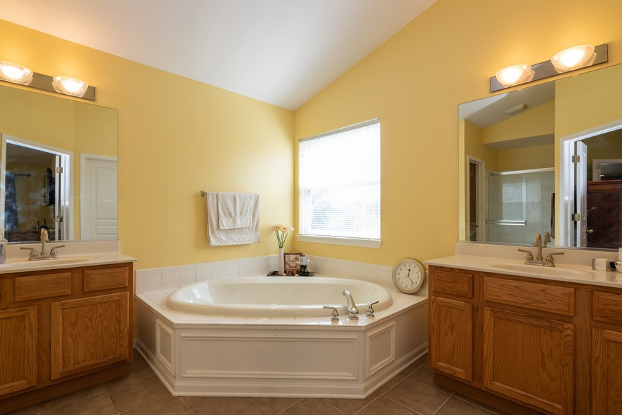Real Estate Photography - 450 Brookside Avenue, Algonquin, IL, 60102 - Master Bathroom